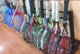 最新モデルも!テニスラケット無料レンタル