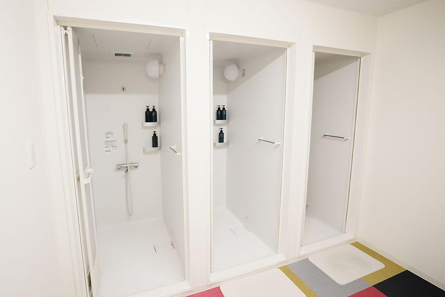 更衣室・シャワールーム